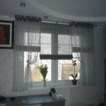 Идея дизайна штор для кухни 22