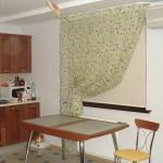 Идея дизайна штор для кухни 21
