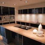 Дизайн кухни в теплых тонах
