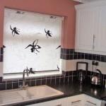 Идея дизайна штор для кухни 55