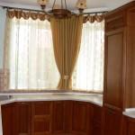 Идея дизайна штор для кухни 5