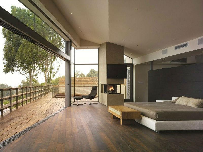 Hidden-Lamps-Wide-Windows-Wooden-FLoor-Wooden-Rails