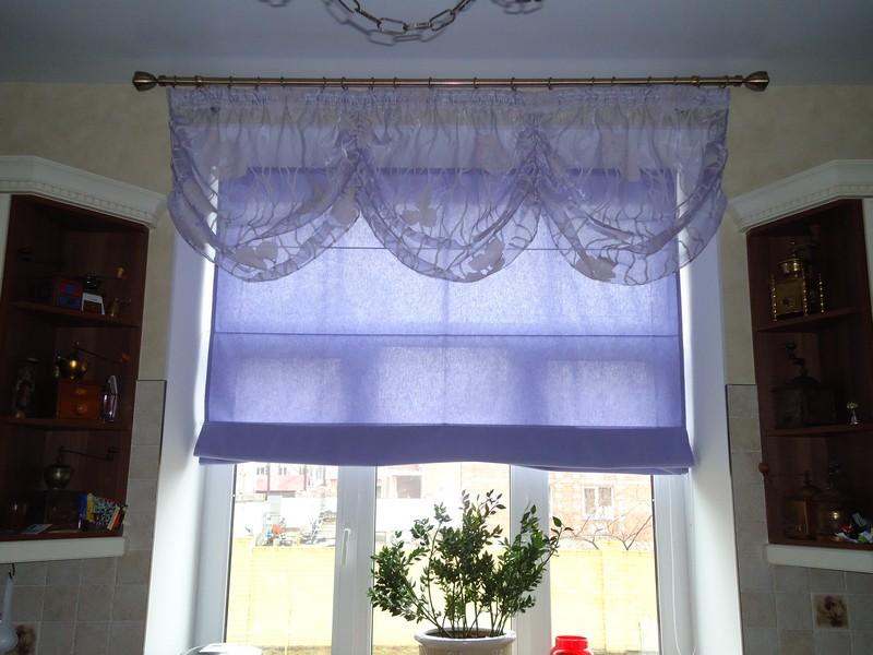 Вариант оформления окна на кухне