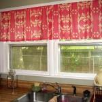 Идея дизайна штор для кухни 85
