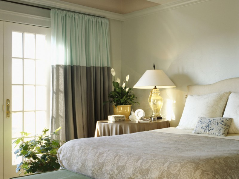 design-of-curtains-for-the-bedroom-800x600