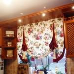 Идея дизайна штор для кухни 110