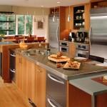 Интерьер кухни в теплых тонах