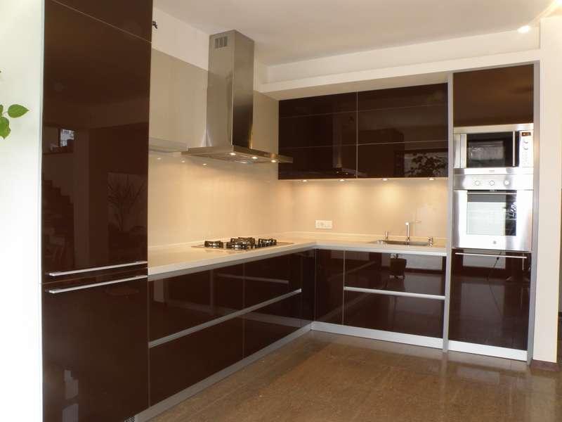Угловые кухни — (100 фото)