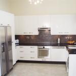 Современный интерьер кухни 28