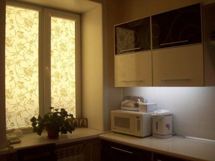 Рулонные шторы для кухни 2