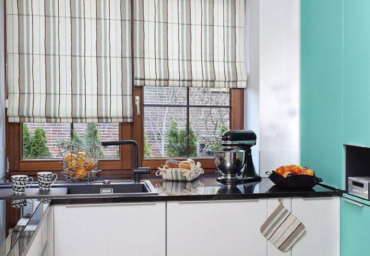 Римские шторы на кухне 1