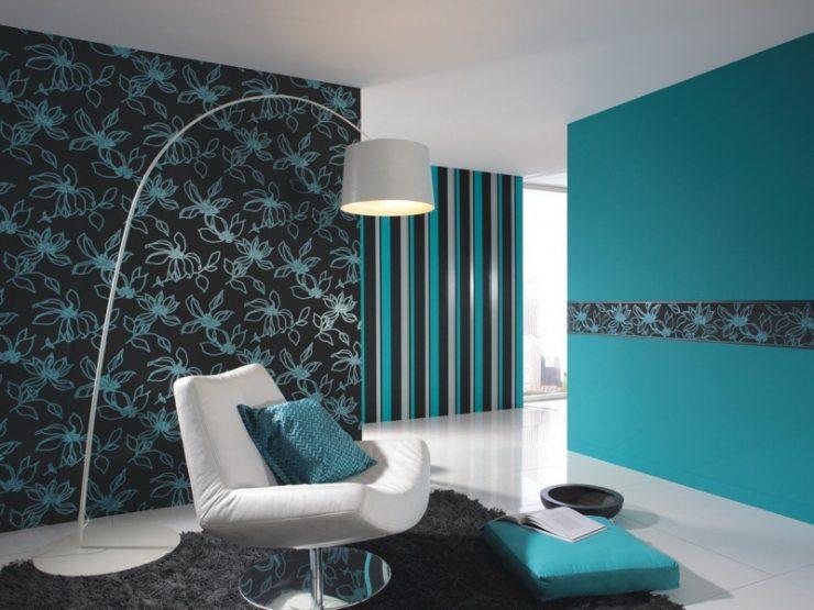 Дизайн гостиной с комбинированными обоями бирюзового цвета
