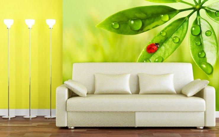 Яркие фотообои в интерьере гостиной