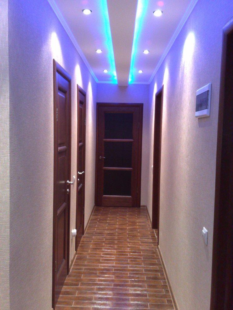 Пример точечного освещения в коридоре