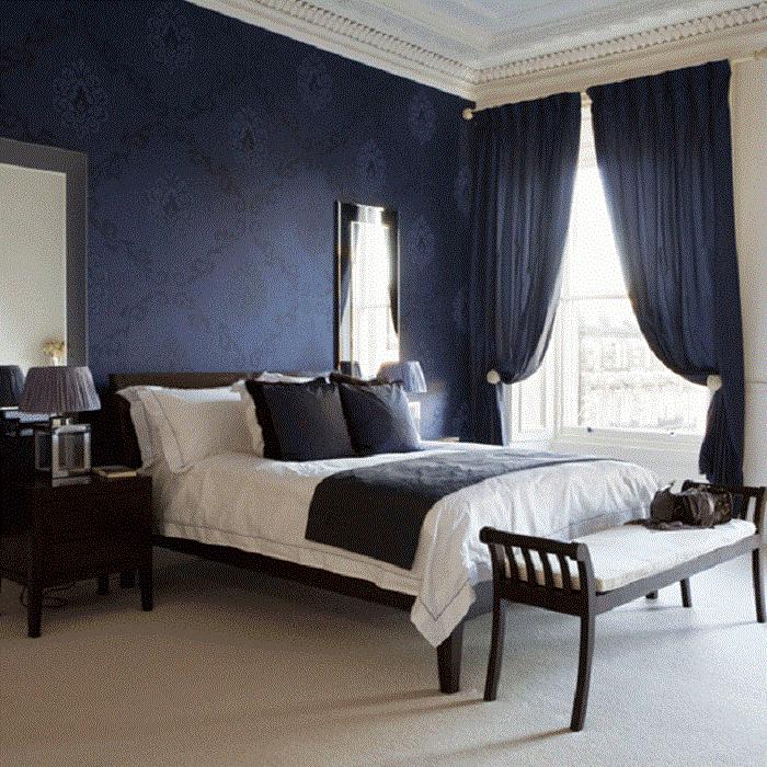 Спальня в сине-чёрных тонах