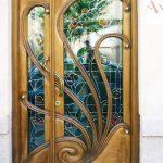 Дверь в особняк в стиле ар-деко
