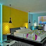 Абстрактные принты в интерьере спальни