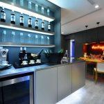 Подсветка и зона столовой на кухне