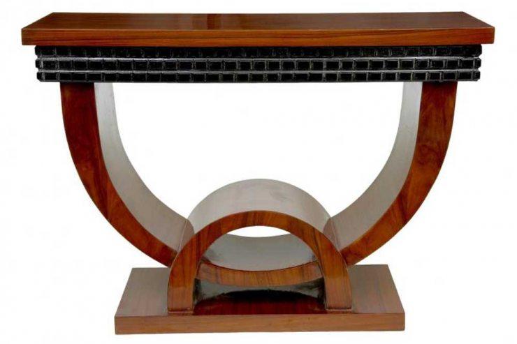 Ореховый стол в стиле ар-деко