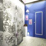 Прихожая с синей стеной