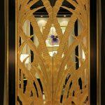 Современная межкомнатная дверь в стиле ар-деко