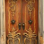 Винтажная деревянная дверь в стиле ар-деко