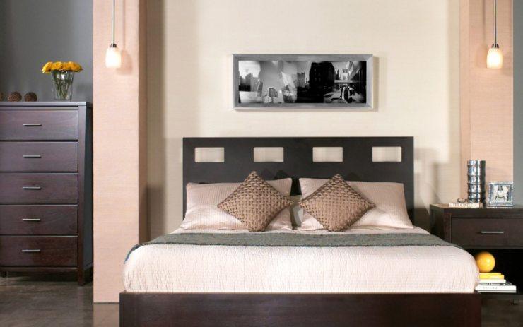Чёрно-белое фото в спальне