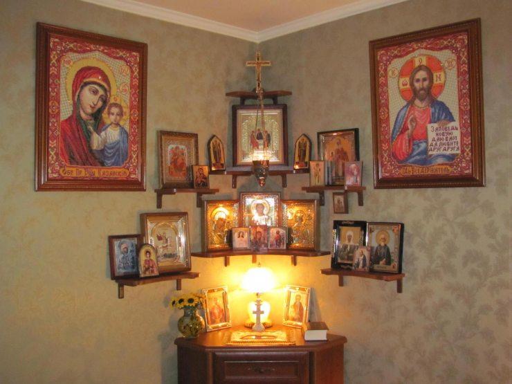 Иконы в спальне