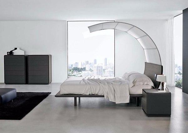 Минимализм в оформлении светлой спальни
