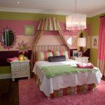 Яркая спальня в стиле прованс
