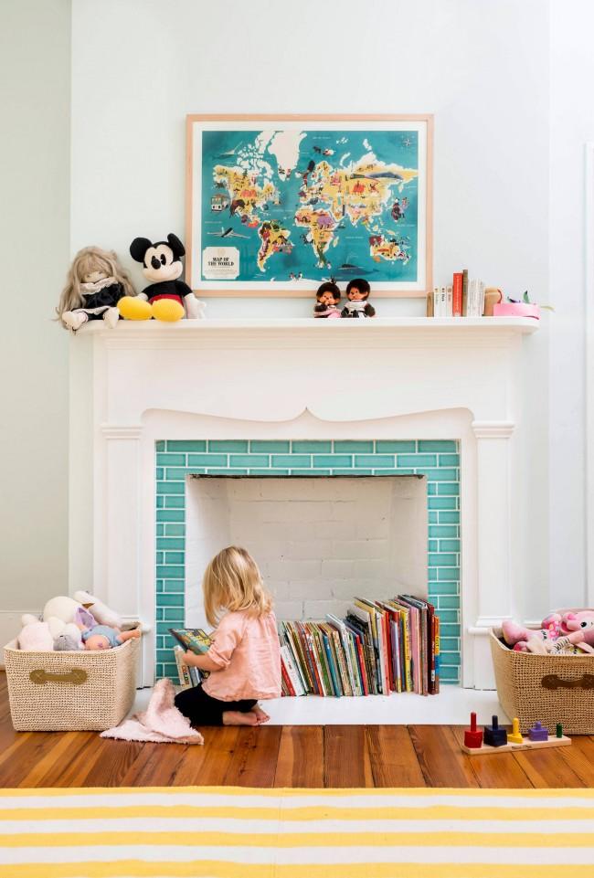 Фальш-камин в детской комнате