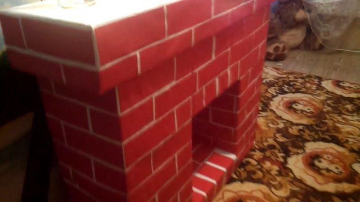 Готовый камин из картонных коробок