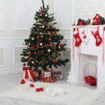 Новогодняя ёлка и камин