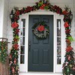 Украшение двери к Новому году