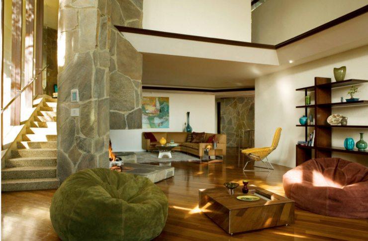 Кресла-мешки в интерьере гостиной