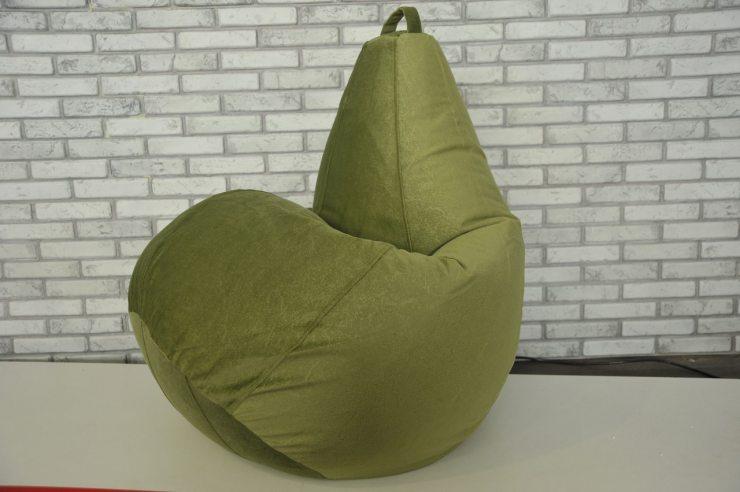 Кресло в виде груши зеленого цвета