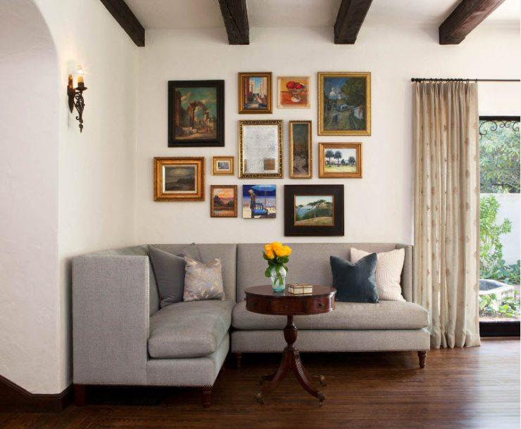 Гостиная с серым угловым диваном