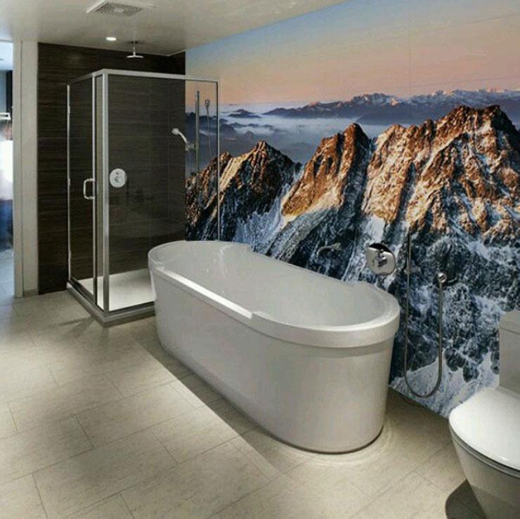 Фотообои в ванной с изображением горных вершин