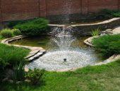 Пруд с фонтаном на участке