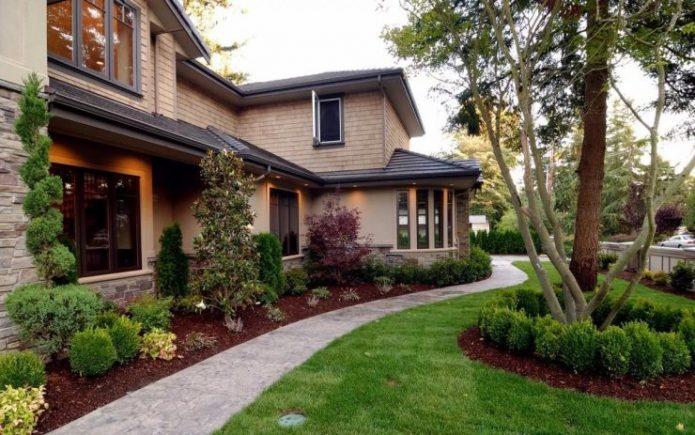 Дом и оформление окружающей территории