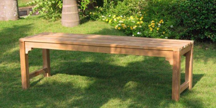 Скамейка без подлокотников и спинки из дерева