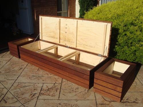 Скамейка с коробом для хранения