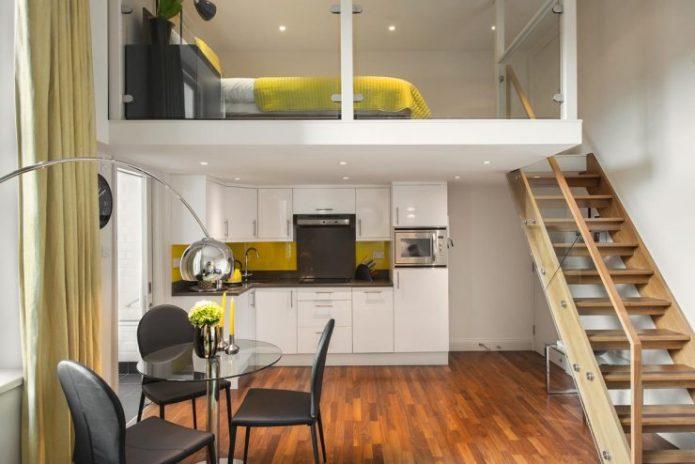 Вариант двухуровневой планировки в квартире-студии