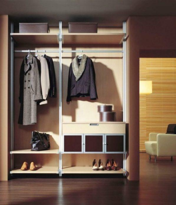 Наполнение шкафа-купе для хранения одежды