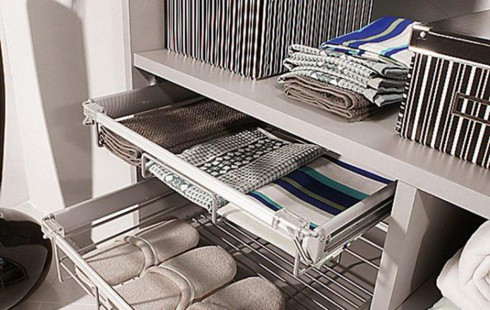 Выдвижные корзины в шкафу-купе