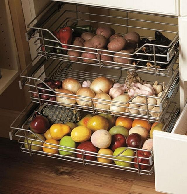 Выдвижные ящики с корзинами для хранения овощей и фруктов