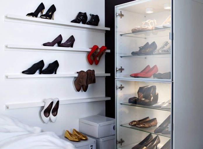 Полки из ИКЕА для хранения туфель