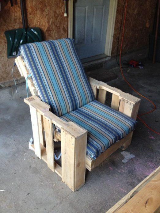Готовое кресло для дачи