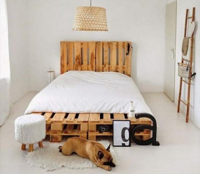 Кровать из палет