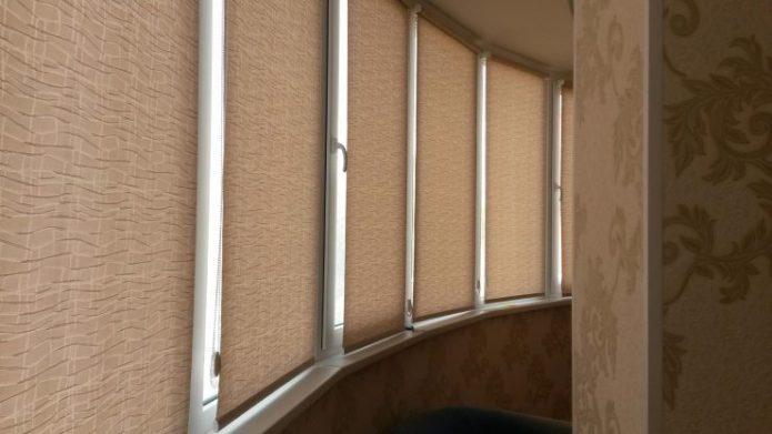 Рулонные шторы из обоев